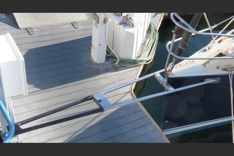 bowsprit removable for cruising or racing